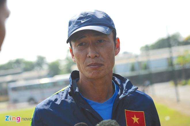 'DTVN khong phai ganh xiec ma trieu tap cau thu U19' hinh anh 1 ĐTVN