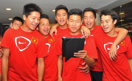 'Anh khong doi qua' - bai tu nhi nho cua U19 Viet Nam hinh anh