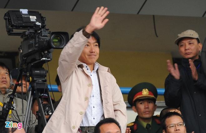 Than Quang Ninh moi HLV Miura voi muc luong hap dan hinh anh 1