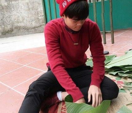 Van Toan tro tai goi banh chung tang Cong Phuong hinh anh