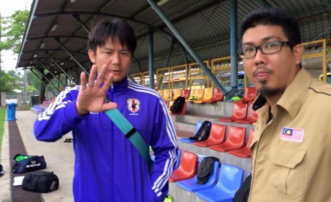 Tro ly HLV Olympic Nhat Ban xem buoi tap cua thay tro Miura hinh anh