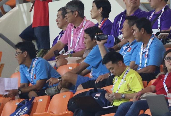 HLV Miura cu tro ly tham do U23 Thai Lan hinh anh