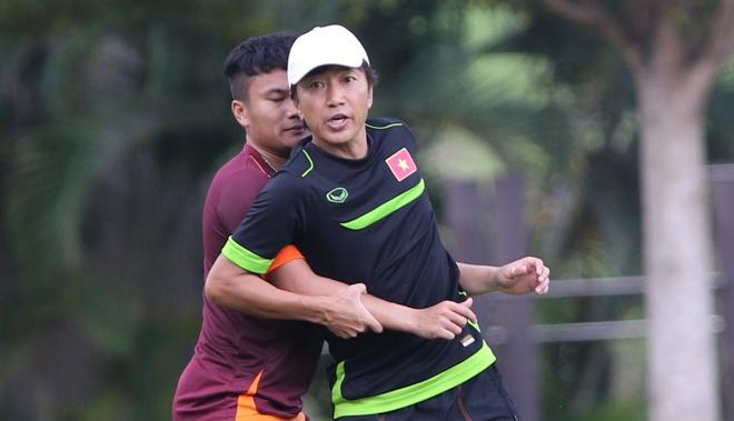 Miura huong dan hoc tro meo de nguoi va ne don U23 Malaysia hinh anh