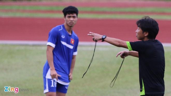 Da ban ket giua trua, U23 VN kien nghi doi gio thi dau hinh anh 1