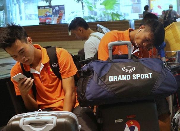 U23 Viet Nam lang le roi Singapore duoi mua hinh anh
