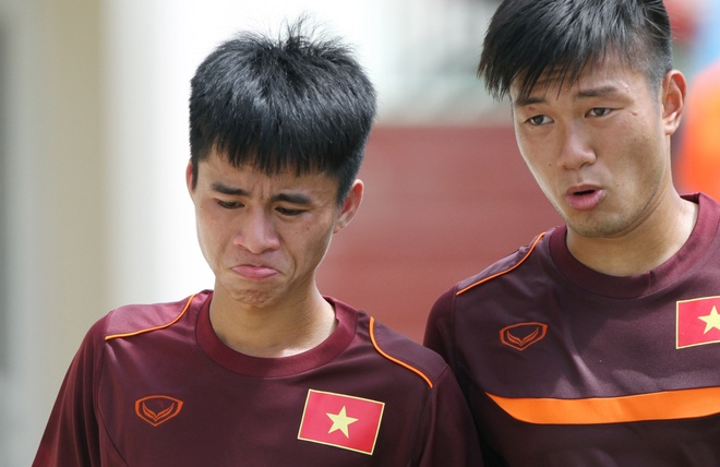 Thanh Hau vat suc theo tron giao an tap luyen cung U19 VN hinh anh