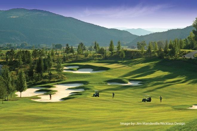 Viet Nam khai truong san golf 'twin green' dau tien o chau A hinh anh