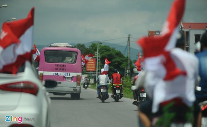 CDV Hai Phong dot phao khoi chan xe o tram thu phi Tuan Chau hinh anh 10