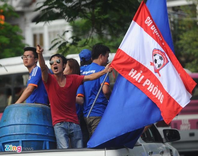 CDV Hai Phong dot phao khoi chan xe o tram thu phi Tuan Chau hinh anh 13