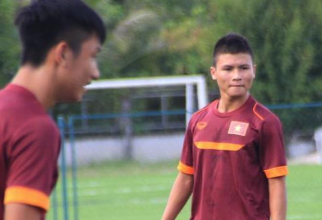 Quang Hai tap buoi duy nhat voi U19 VN truoc tran ra quan hinh anh