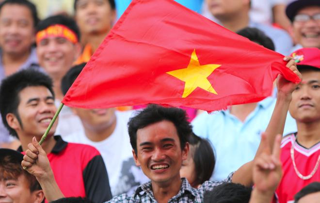 Nguoi Viet tai Lao tung bung co vu U19 Viet Nam hinh anh