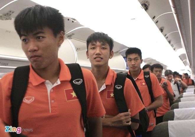 Khong co nguoi ham mo don U19 Viet Nam ngay tro ve hinh anh 1