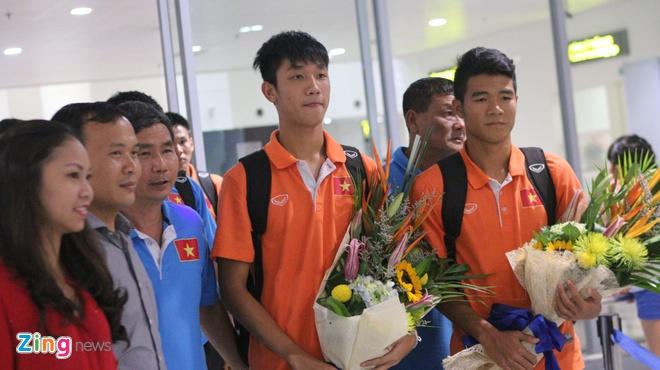 Khong co nguoi ham mo don U19 Viet Nam ngay tro ve hinh anh 3