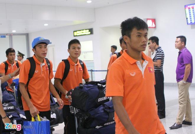 Khong co nguoi ham mo don U19 Viet Nam ngay tro ve hinh anh 7