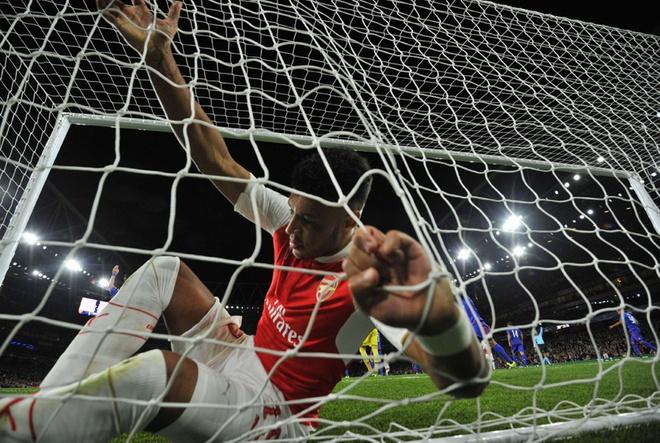 Arsenal cach xa dang cap Champions League hinh anh