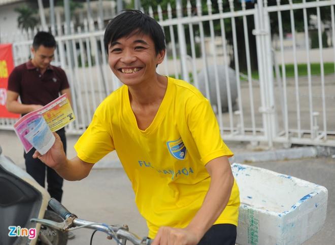 Lac dac nguoi mua ve tran DTVN - Thai Lan hinh anh 1