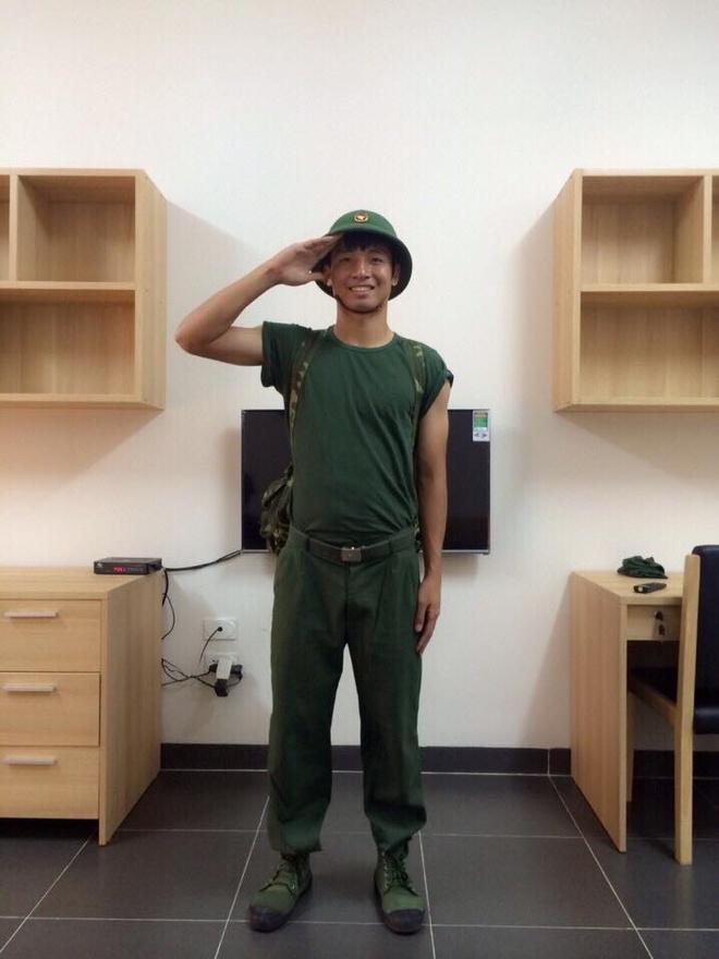 Trung ve tuyen VN tap bong chuyen trong moi truong quan doi hinh anh 1