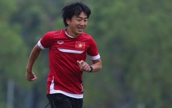 HLV Miura se trieu tap 30 cau thu du VCK U23 chau A hinh anh