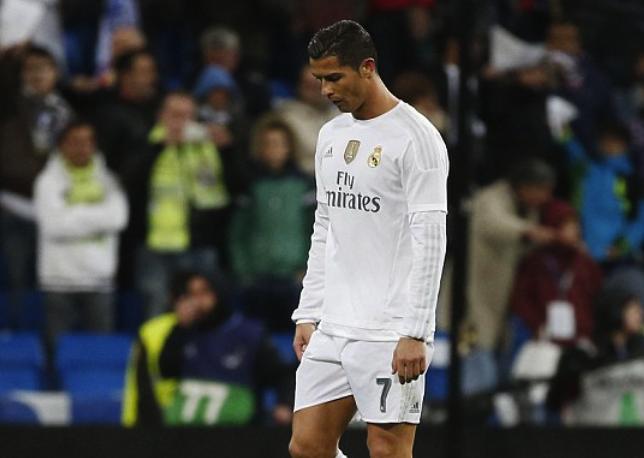 Real Madrid that bai: Khi Benitez chi nam phan xac 'ken ken' hinh anh