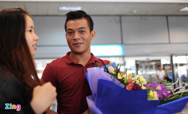 Nguoi ham mo ra san bay don U23 Viet Nam hoi quan hinh anh 4