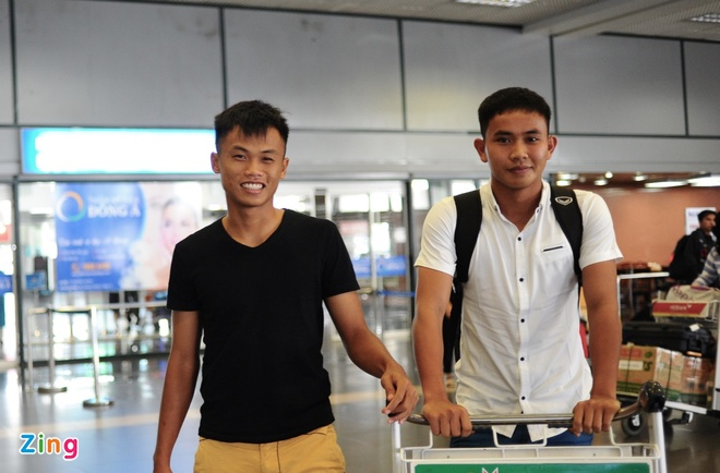 Nguoi ham mo ra san bay don U23 Viet Nam hoi quan hinh anh 6