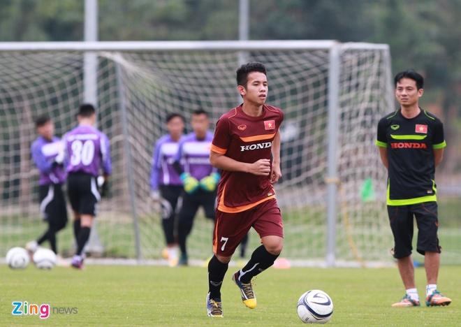 Hong Duy tro lai tap cung U23 Viet Nam hinh anh 1