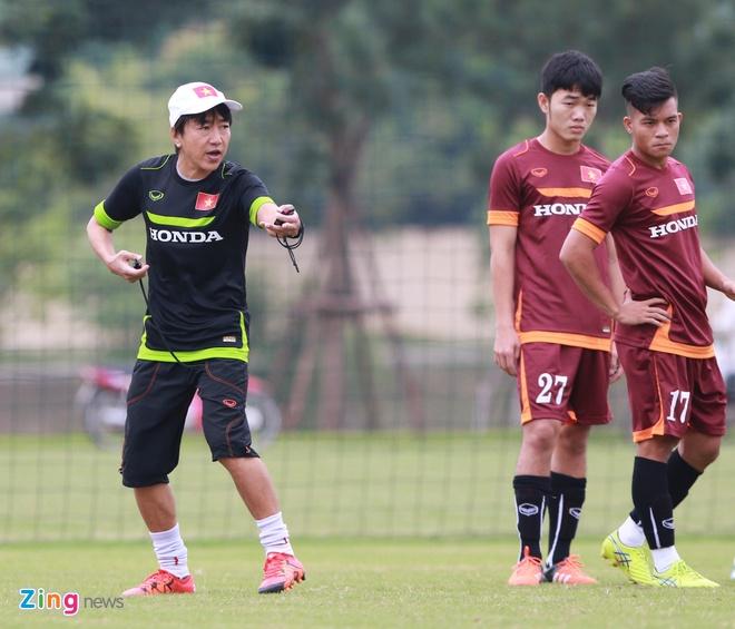 Hong Duy tro lai tap cung U23 Viet Nam hinh anh 2