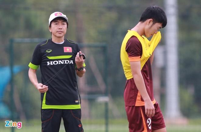 Hong Duy tro lai tap cung U23 Viet Nam hinh anh 8