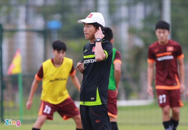 Hong Duy tro lai tap cung U23 Viet Nam hinh anh 11