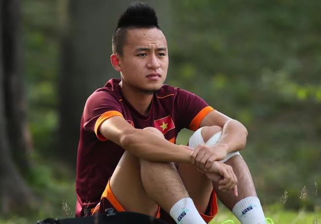 Huy Toan chia tay U23 Viet Nam vi chan thuong cot song hinh anh