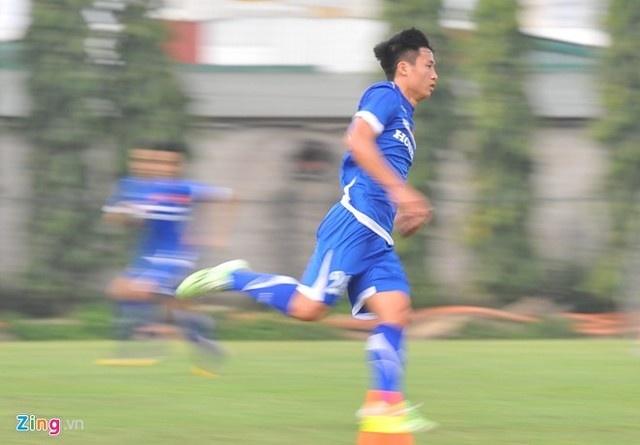 Trung ve U23 Viet Nam lo bi loai sau 1 thang khoac ao linh hinh anh 1
