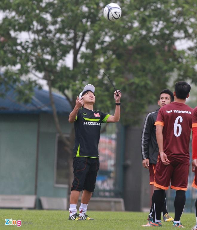 Cong Phuong cham tran Xuan Truong, Dong Trieu tren san tap hinh anh 1