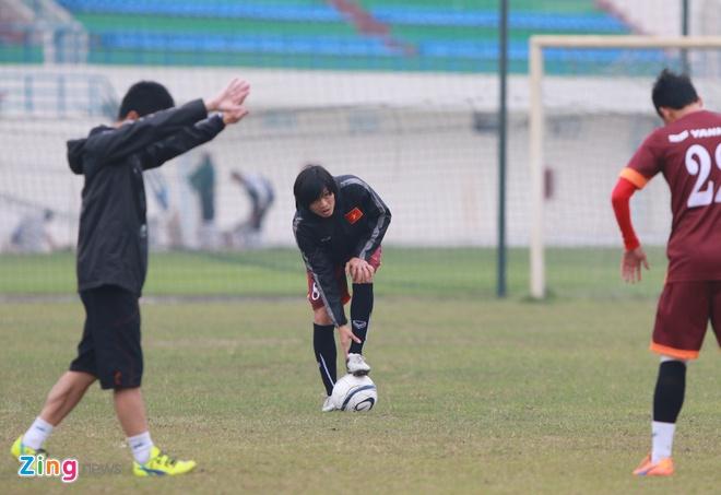 Tuan Anh ren ky thuat cung nhom cau thu chan thuong U23 VN hinh anh 3