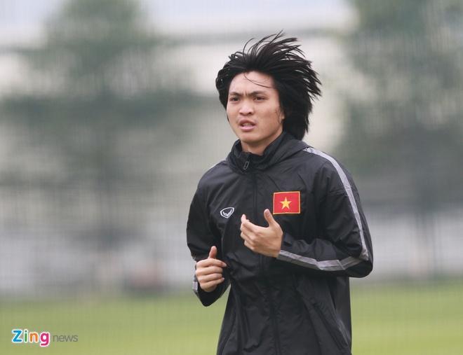 Tuan Anh ren ky thuat cung nhom cau thu chan thuong U23 VN hinh anh 2