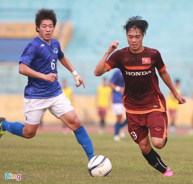 Tien ve U23 VN chan thuong sau cu vao bong cua JFL Selection hinh anh 5