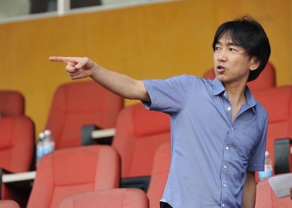 La phieu cua HLV Miura chon Messi gianh Qua bong vang FIFA hinh anh