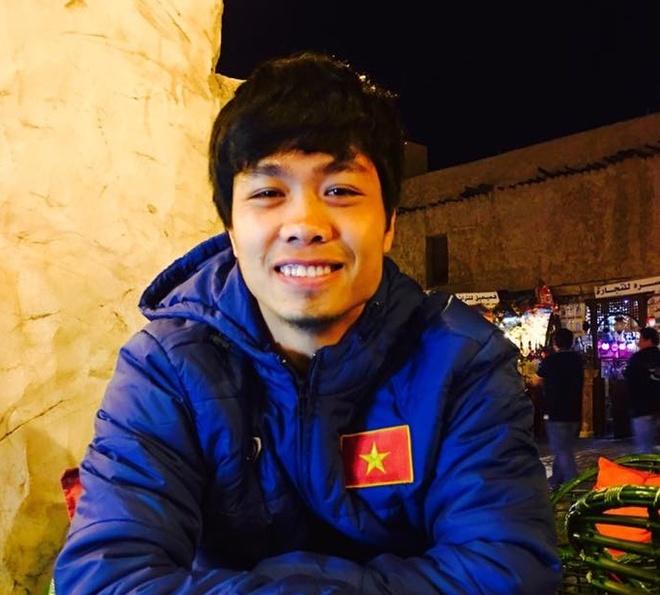 Cong Phuong nghi tap trong buoi U23 VN lam quen san hinh anh