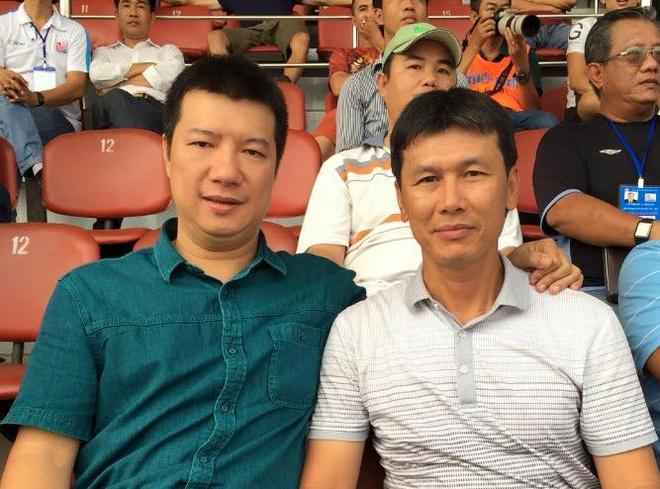BLV Quang Huy chi ra thiet thoi cua HLV noi khi nam DTQG hinh anh