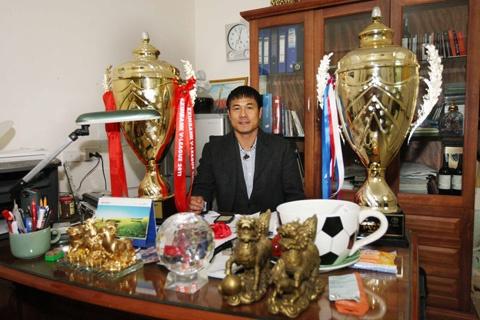 HLV Huu Thang: 'Phai tao mot loi da co ban sac cho DTVN' hinh anh 1