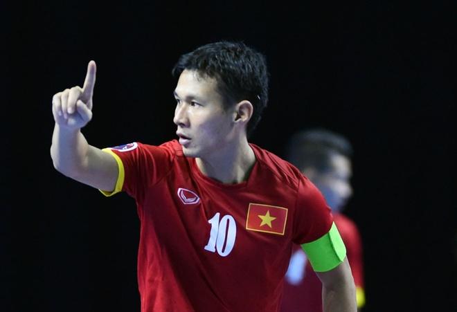 Thu quan futsal VN Bao Quan: Gach noi giua hai thap ky hinh anh