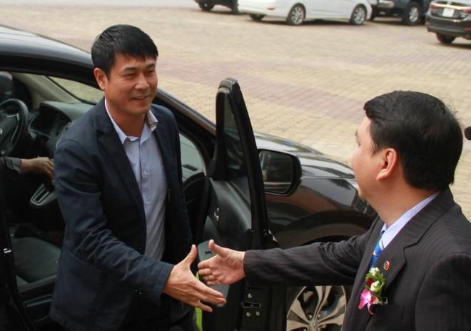 HLV Nguyen Huu Thang co them 'tro ly dac biet' hinh anh