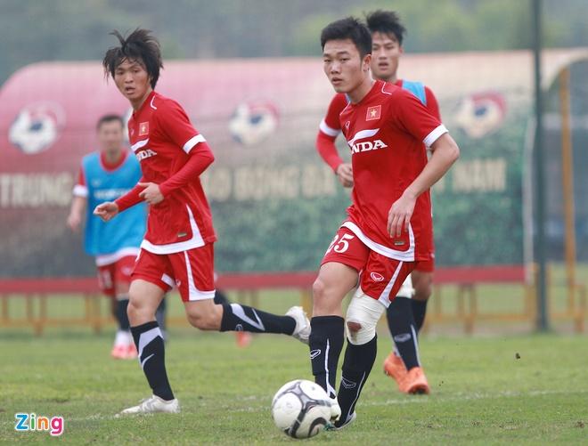 Xuan Truong no luc ghi diem voi HLV Huu Thang hinh anh 3