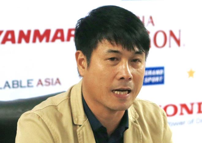 HLV Huu Thang: 'Tuyen Viet Nam thieu tien dao cam' hinh anh