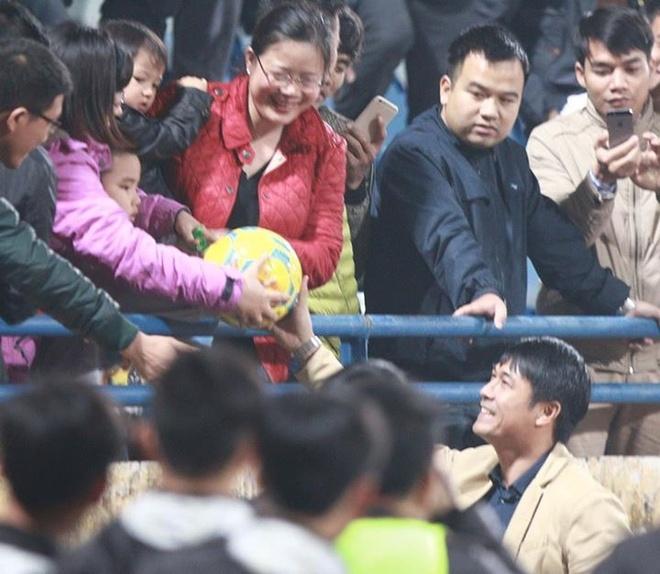 HLV Huu Thang: 'Tuyen Viet Nam thieu tien dao cam' hinh anh 1
