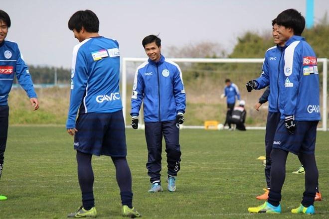 Cong Phuong: 'J.League khong chi danh cho nguoi Nhat' hinh anh 2