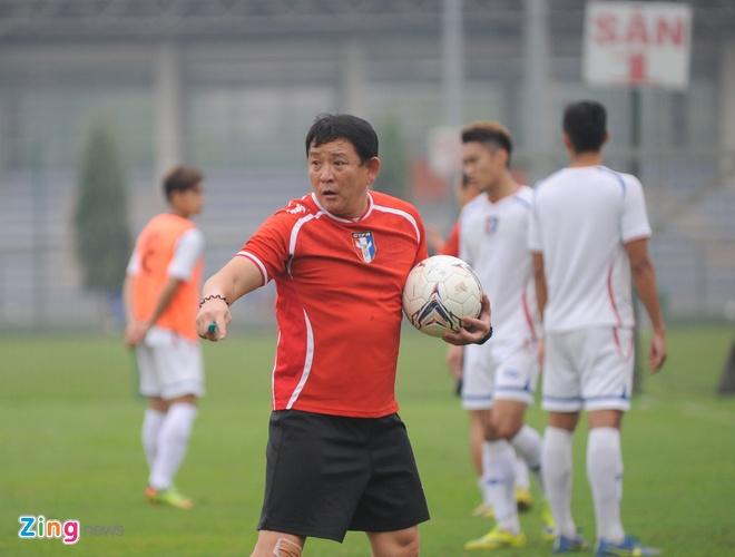 HLV truong Dai Loan: 'Huu Thang la an so voi toi' hinh anh 1