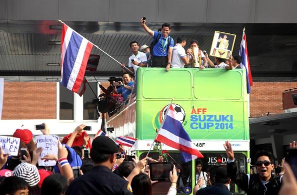 HLV Huu Thang: VN khong chu quan du Thai Lan xem nhe AFF Cup hinh anh 2