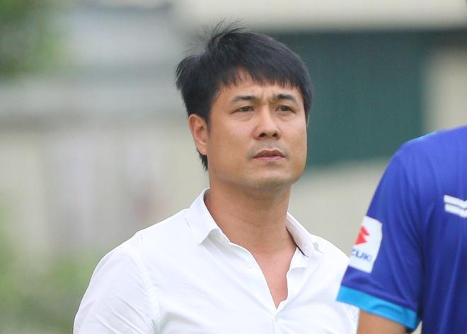 HLV Huu Thang muon trieu tap tien dao U19 VN hinh anh