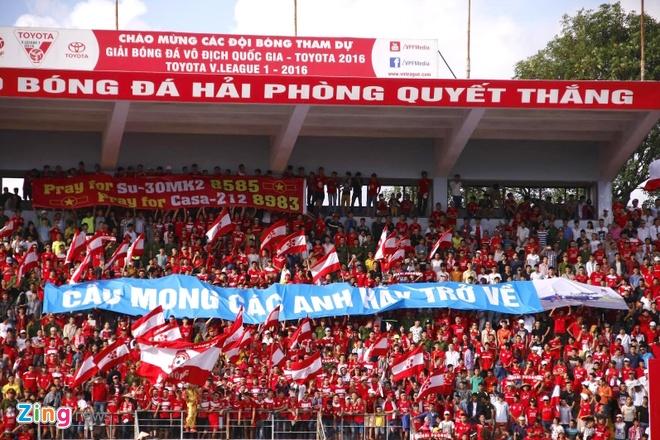 CDV V.League treo bang-ron huong ve phi cong Su30 va CASA hinh anh 1