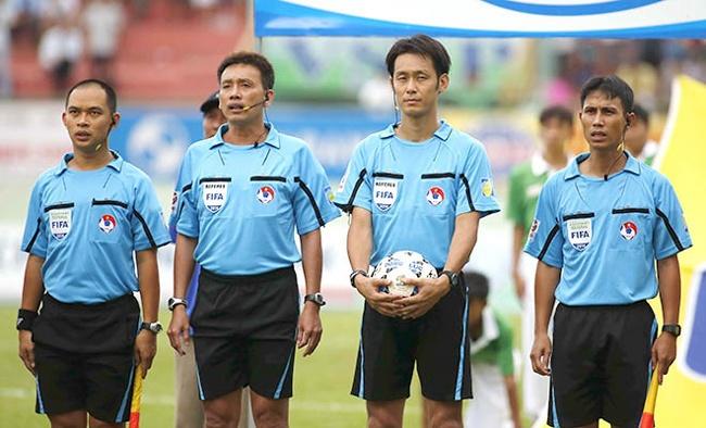 'Thieu can cu ket luan trong tai xuc pham cau thu V.League' hinh anh 1